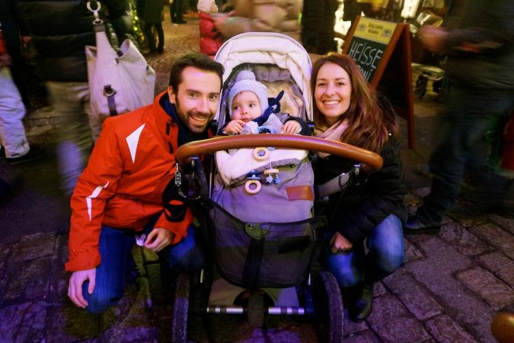 Kitzbühel Weihnachtsmarkt mit Baby