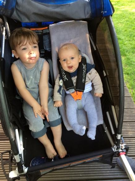 Doppelkinderwagen