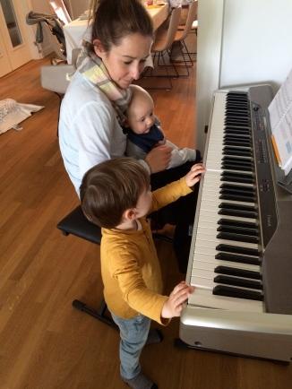 Klavier spielen für Kids